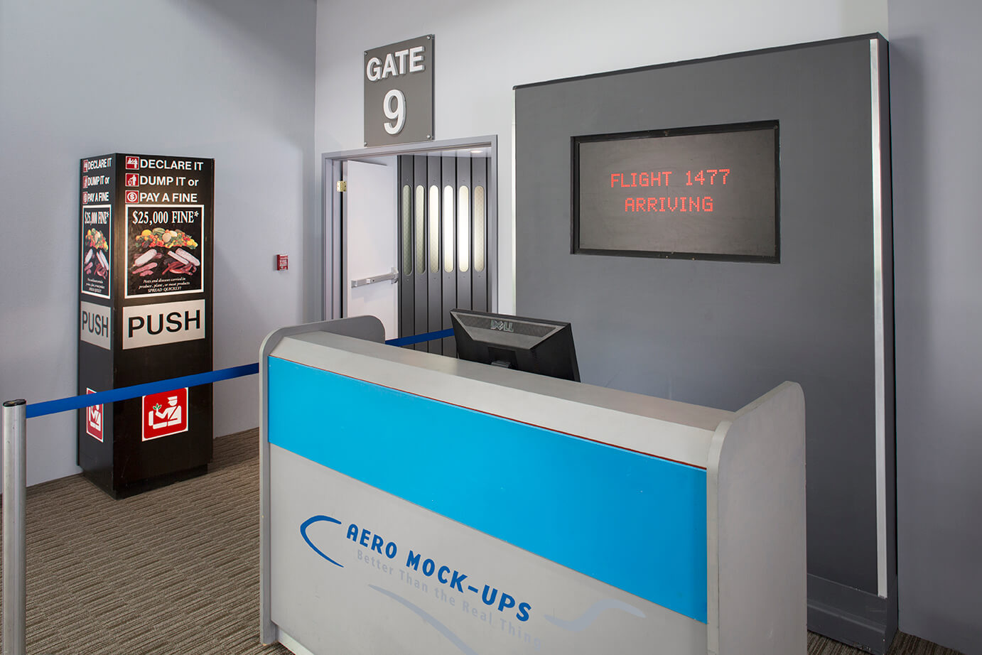15-1 Skyway - Gate and Jetway - 10