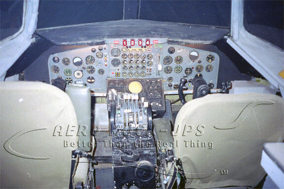 13-2 707 Cockpit - Instrument panel lite