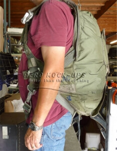 38-65 Parachute vest - Olive b