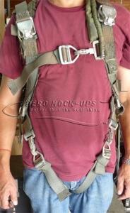 38-65 Parachute vest - Olive c