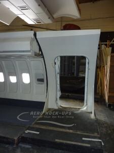 11-1 _ 14-8 _Rolling_ cabin with R1 door - interior, door open