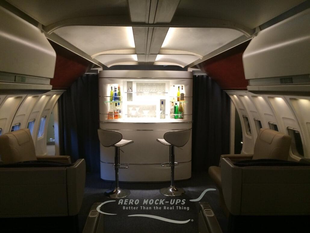 12-41 10 LEJ + NB - Lounge with Bar