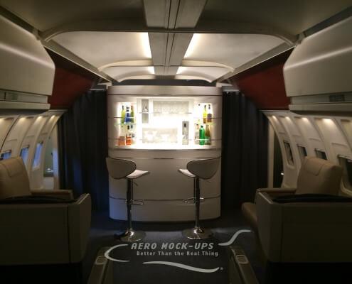 11-1 10 LEJ + NB - Lounge with Bar