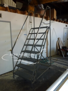 31-16 Rolling Staircase