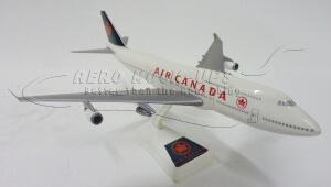38-39 Model - B747-400, Air Canada